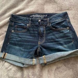 American Eagle shorts size 6.